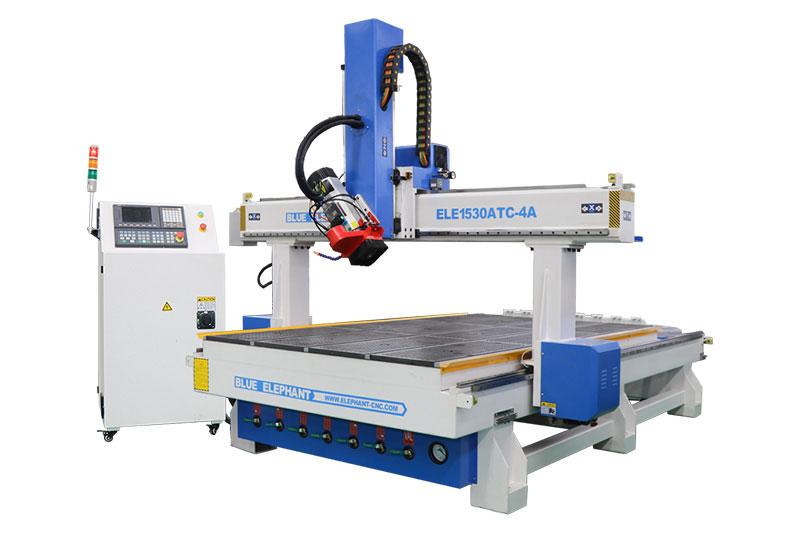 1530 4-Achsen-ATC-Holzbearbeitungsmaschine zum Gravieren von Holzskulpturen